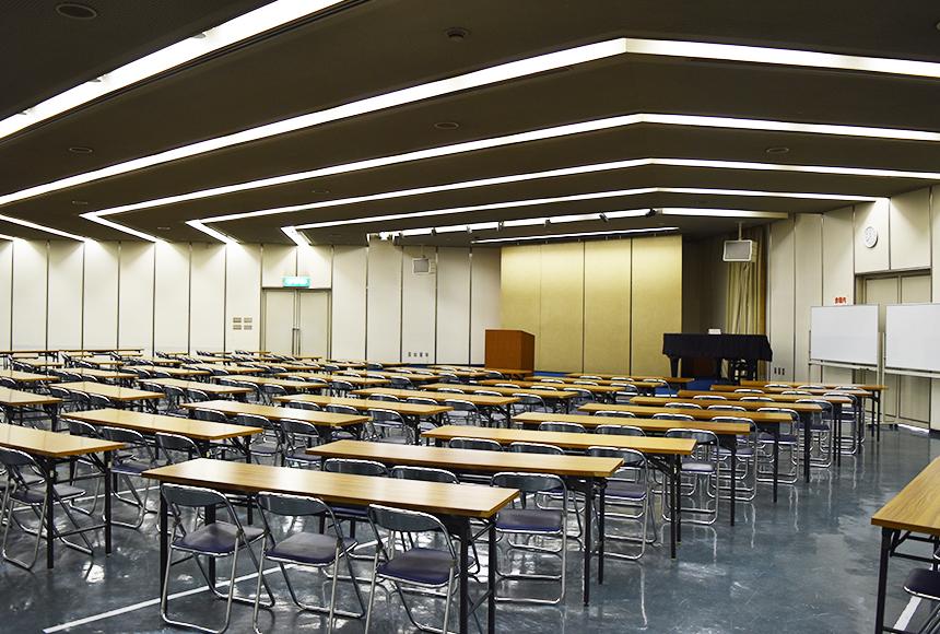 姫路市 勤労市民会館 : 大会議室