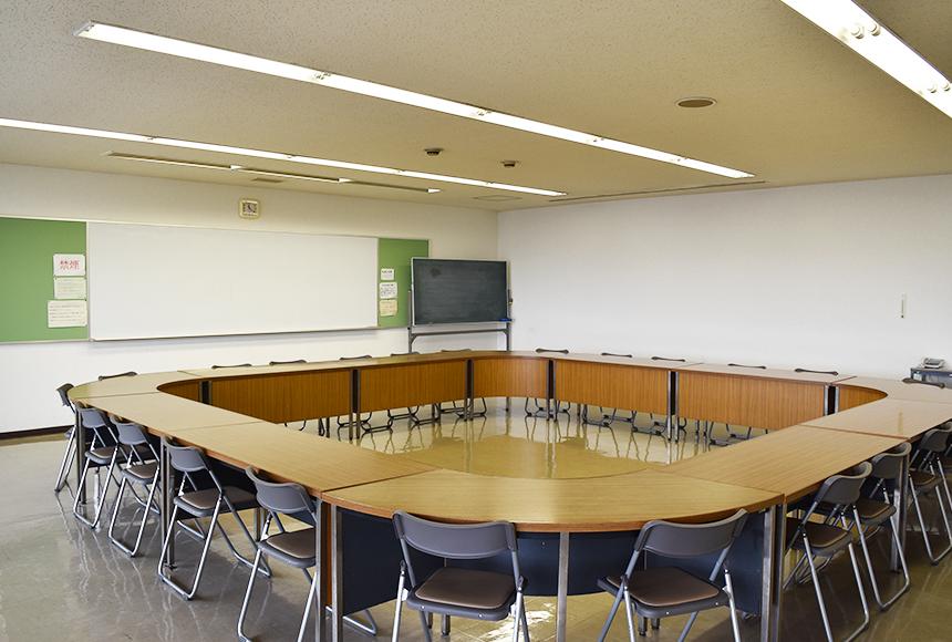 姫路市 勤労市民会館 : 第2会議室
